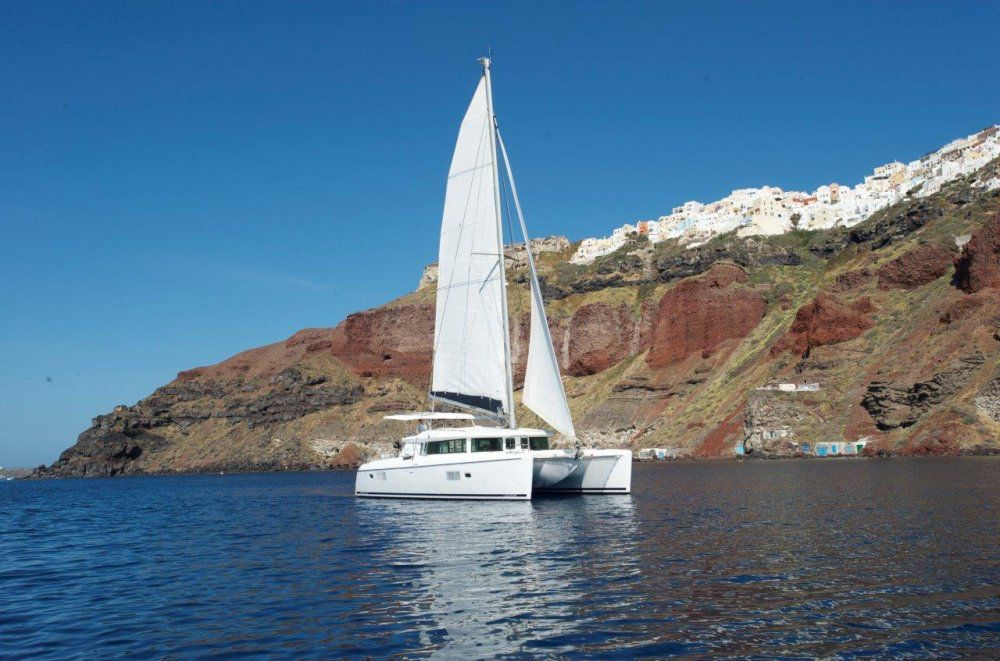 Sailing in Santorini Sunset Tour